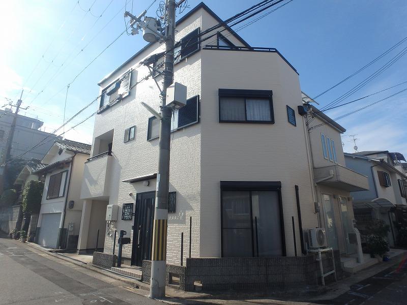 堺市にて外壁塗装を実施(雨漏りも改善)