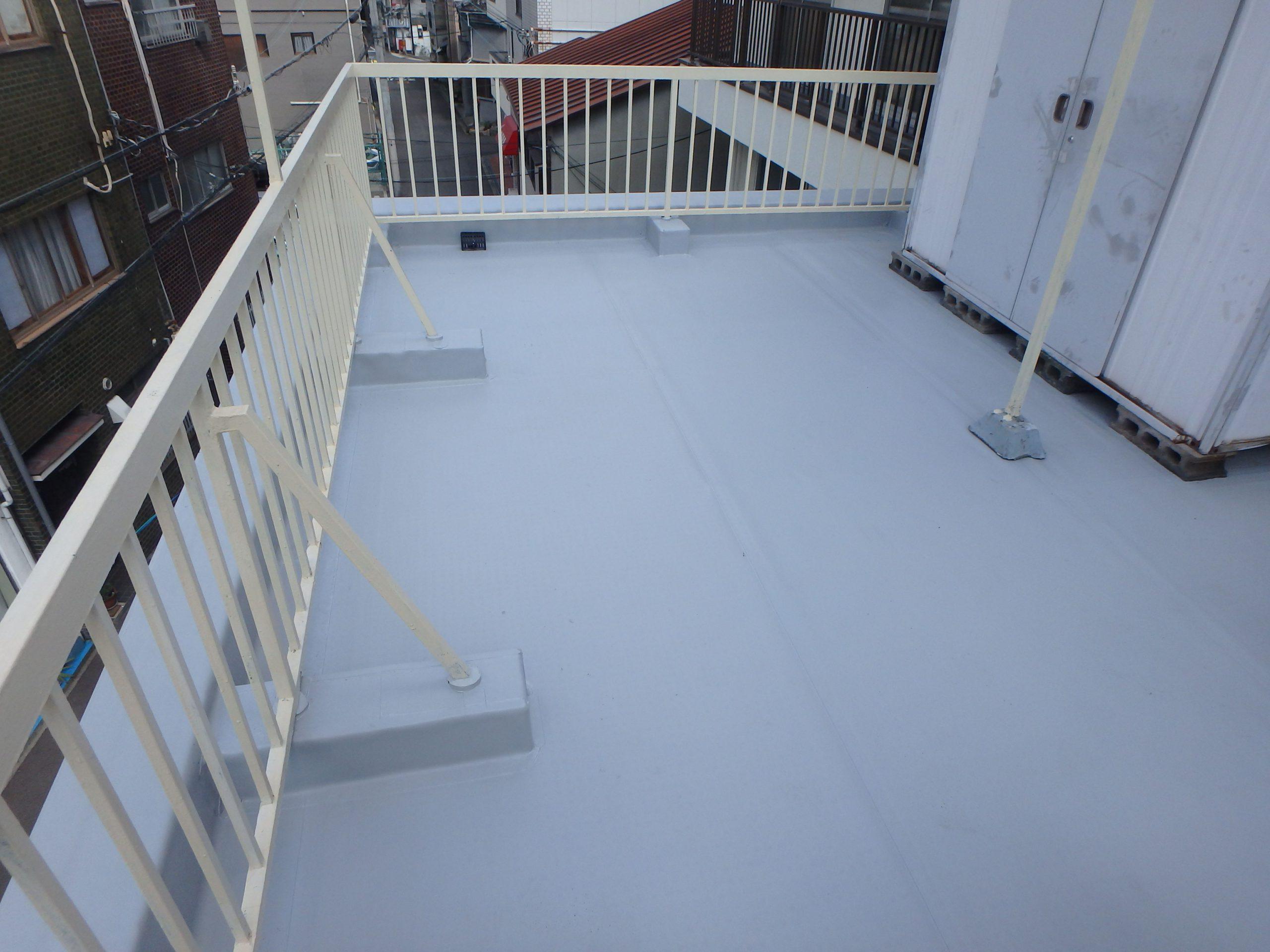東成区にて塩ビ防水シートを使用した機械固定法での屋上防水工事